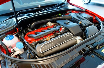 Engine repair in Dubai